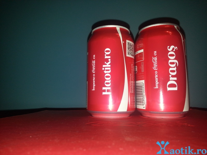 Imparte o Coca-Cola cu Haotik